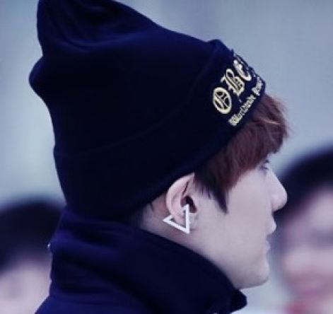 BTS [ACC] BTS Simple Triangle Ear Cuff 1 aa84